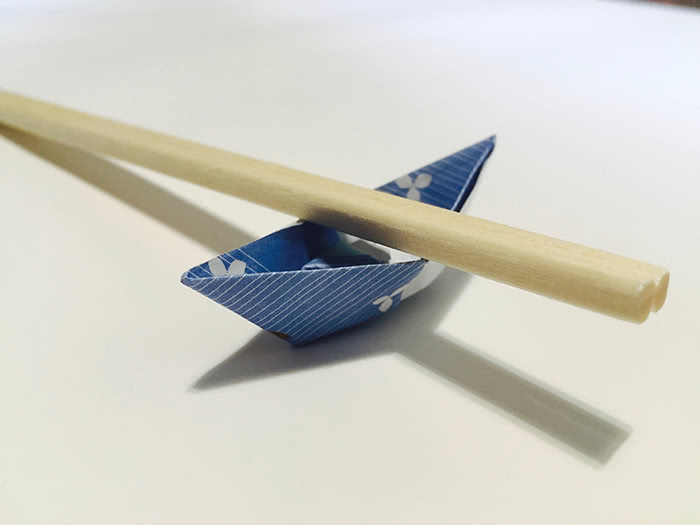 Origami Chopstick Holder: Boat Instructions in 13 Easy Steps