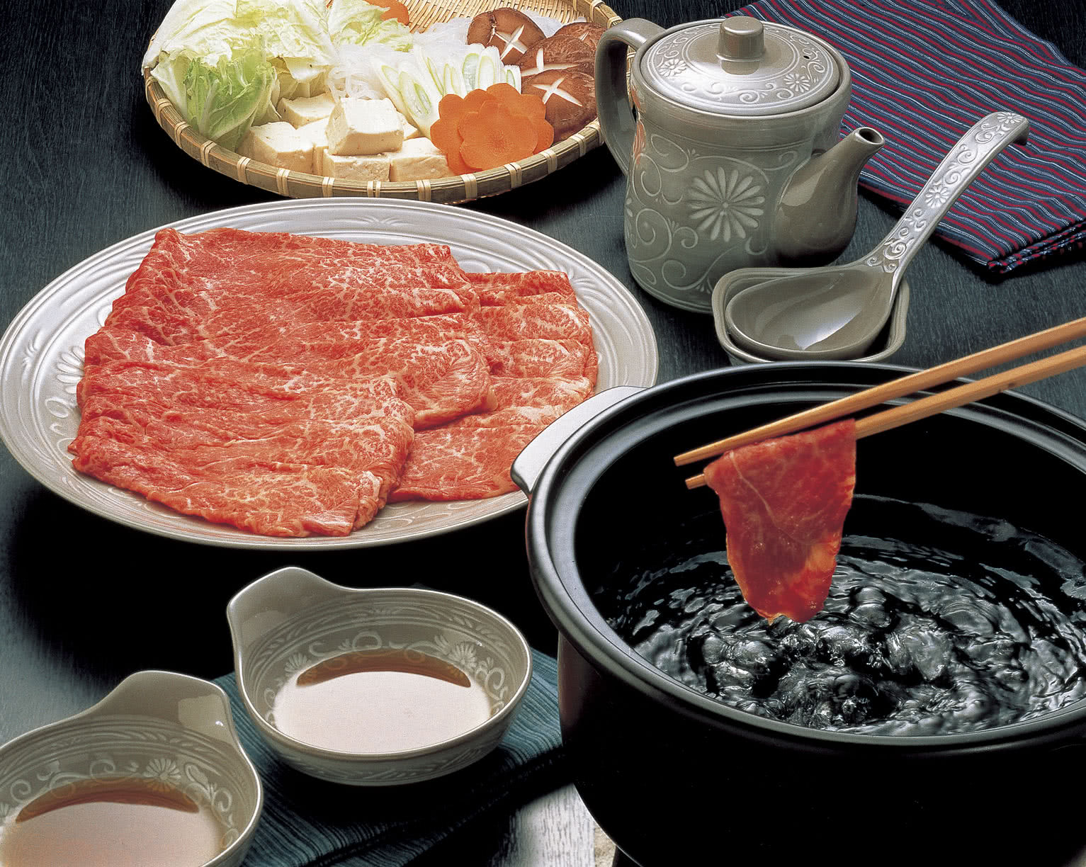 How to eat Shabu-shabu: A Guide to Japanese Hot Pot Heaven