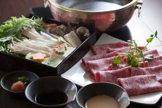 How to eat Shabu-shabu: A Guide to Japanese Hot Pot Heaven