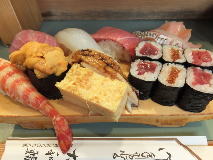 15 Unmissable Sushi Spots in Tsukiji, the World's Largest Market