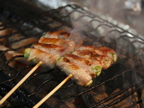 Yakitori Tori Ryori Toritatsu_Our popular asparagus roll skewers with healthy vegetables
