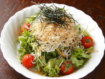 Yakitori Tori Ryori Toritatsu_Perfect for a yakitori palate cleanser: our chirimenjako (dried young sardines) salad