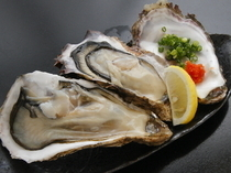 Seafood Izakaya Maru_Exceptionally fresh raw oysters stocked throughout the year.