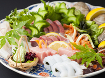 Honke Fujiyoshi_Assorted Sashimi (sliced raw fish). Fully appreciate the riches of the local Genkainada Sea. (For one)