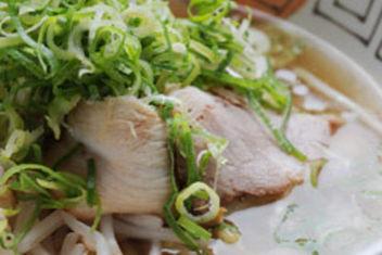 West Kobe/Miki , Hyogo, Tonkotsu-ramen (pork-bone based soup