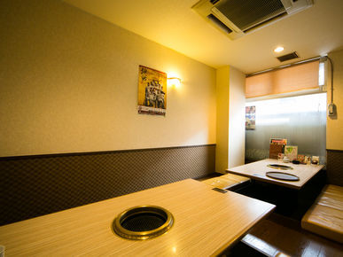 Yakiniku Sansuien East Entrance_Inside view