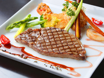 "BISTRO KANZO_Satisfy yourself with the rich flavor  ""Hida Beef Filet Steak Course"""