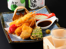 "OISHI KOMACHI SHINSEN_The ""Kushiage (fried skewer) Combo"" satisfies the needs of our guests, Choose your main from Meat or Vegetable."