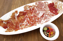 TRATTORIA AL POMPIERE_AL POMPIERE's Four-Assorted Cured-Ham & Salami, Recommended by Marco & Salmiere