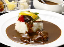 Ronjin_[Taisho Roman Beef Curry] Slowly simmered to create the deep taste.