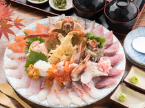 Oshokuji-dokoro Kaigan_[Gaina Bowl (for 2 people)] This is a real local dish! Enjoy an abundance of seafood from Sakai Fish Port.