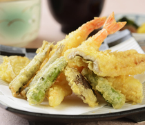 Japanese Cuisine Naniwa_[Tempura Gozen (set meal)] Enjoy the crispy texture of just-fried tempura.