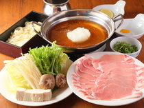 Niitaka_[Mizore (shredded daikon radish) Shabu-Shabu Set] Enjoy [Charmy Pork], a brand pork with a sweet taste and tender texture in a refreshing way.