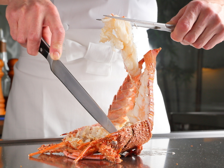 Teppanyaki with Spiny Lobster and Japanese Beef - Hikari_Cuisine