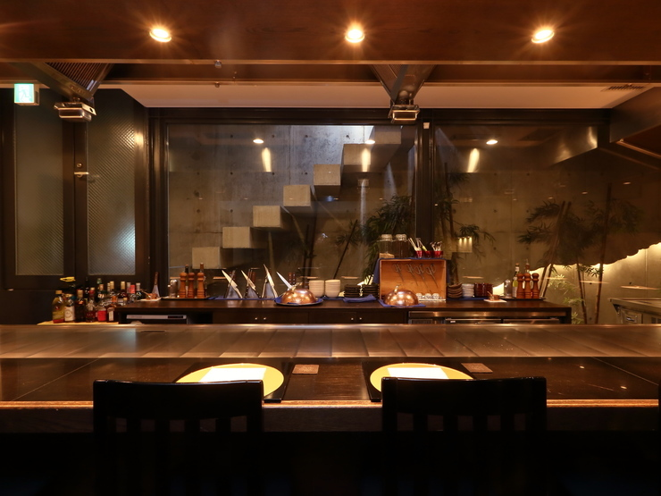 Teppanyaki with Spiny Lobster and Japanese Beef - Hikari_Inside view