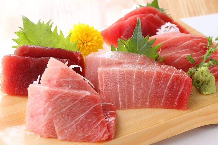 Maguro. Japan's best-loved sashimi.