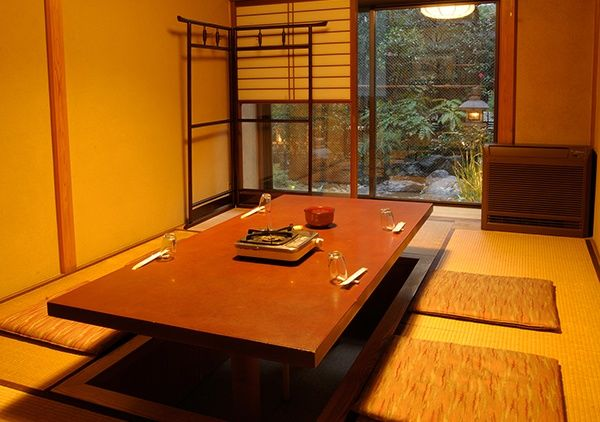 Gather around the hori-kotatsu in true Japanese style to explore seasonal dishes and sake.